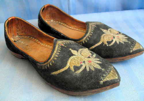 Middle Eastern slippers