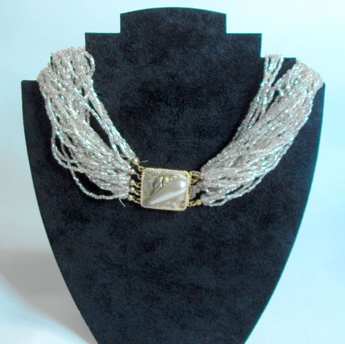 Multistrand pearlised necklace