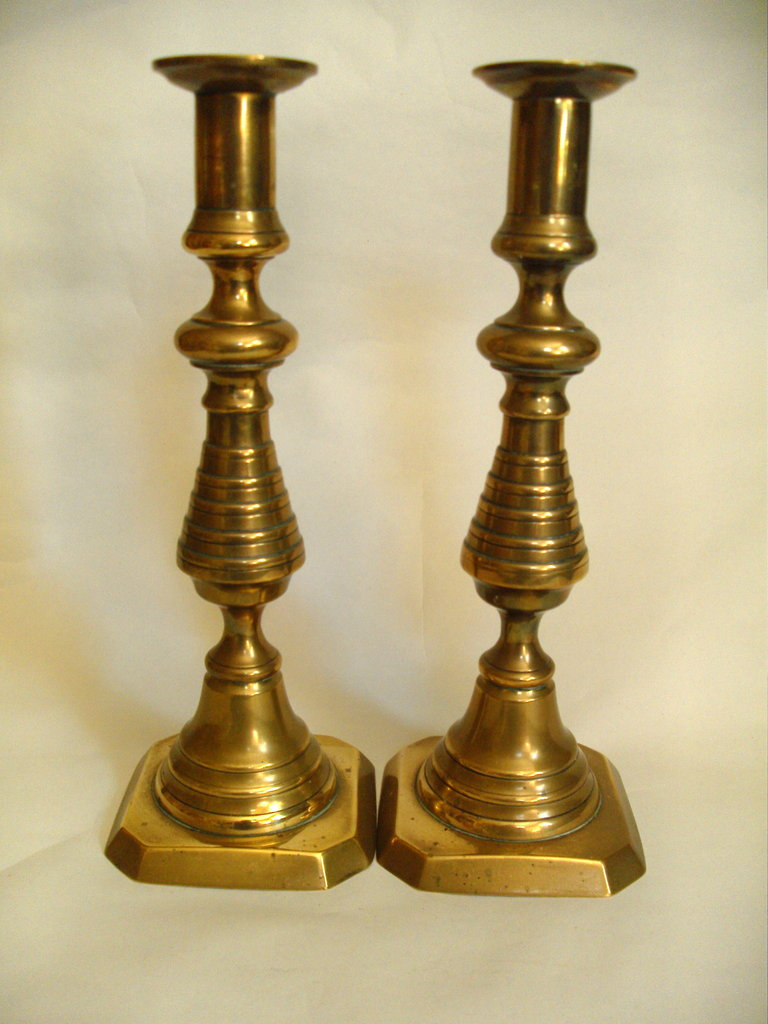 Brass Beehive Candlesticks Www Carterscollectablesuk Co Uk