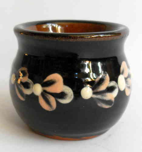 Haseley Manor brush pot 2