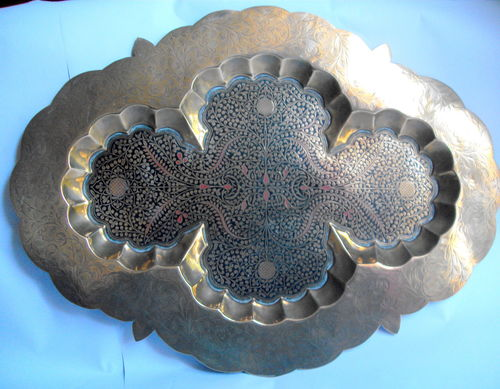 Large Zoraster enamelled tray