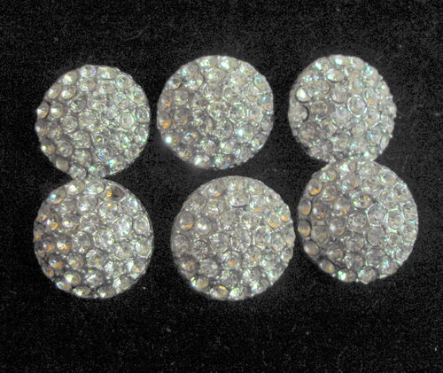 Six diamante buttons