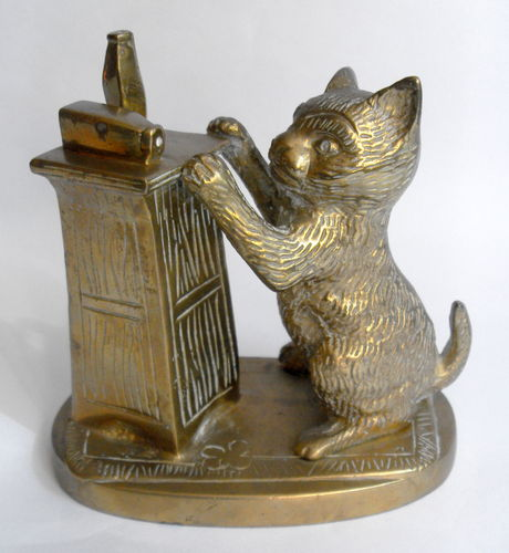 Brass cat deskweight