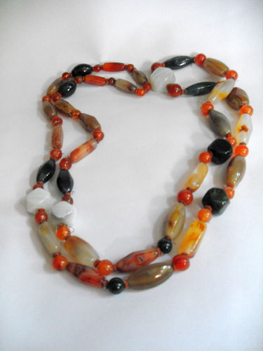 Long polished stone necklace 1