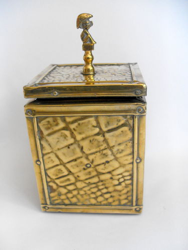Brass caddy w pixie finial
