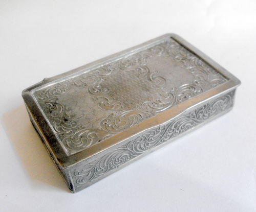Embossed tabletop snuff box