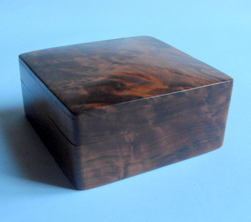 Burr walnut box with hinged lid