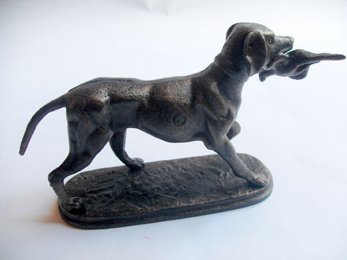 Cast metal hunting dog w bird 2