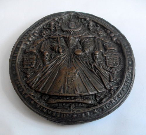 Elizabethan design desk weight