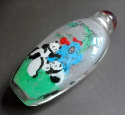 Oriental glass snuff bottle 02