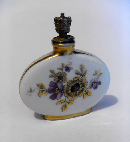 China floral snuff bottle