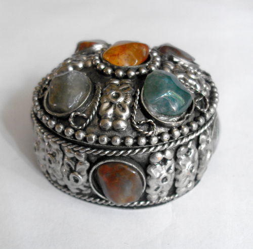 Agate inlaid ring box