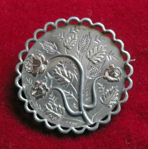 White metal sweetheart brooch