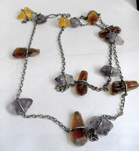 Metal and quartz necklace