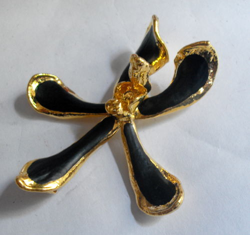 22ct GP Orchid pendant brooch